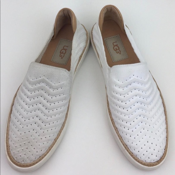 UGG Sammy Slip-On Sneaker sz6